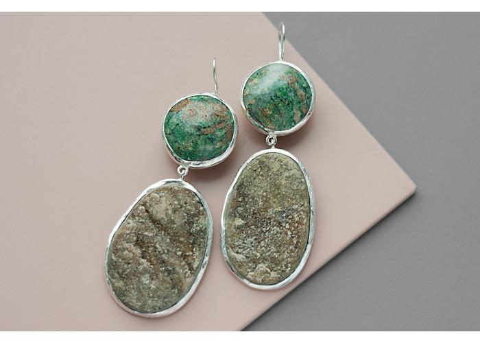 Серёжки с лиственитом и друзой граната // серебро